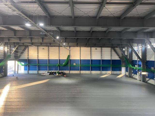 札幌 テニスコート レンタル プレイスオブスポーツネオ 屋内コート デコターフ工事前