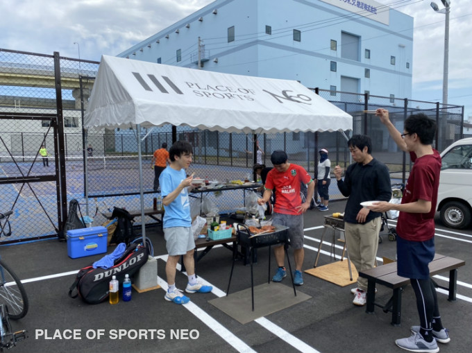 札幌テニスコートレンタル施設 PLACEOFSPORTSNEO バーベキューテニス 屋外砂入り人工芝コート
