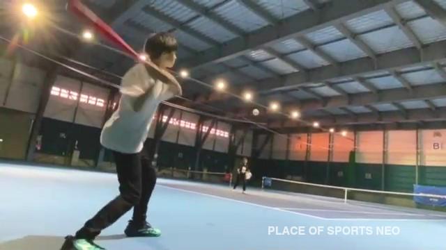 テニスコートで野球遊び プレイスオブスポーツネオ